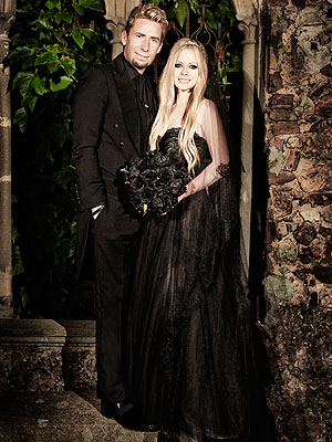 avril lavigne black wedding gown